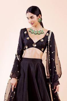 What Is Fashion, Next Fashion, Fashion Shoot, Ethnic Fashion, Modern Fashion, Indian Fashion, Toronto Fashion Week, Fashion Week 2018, Indian Dresses