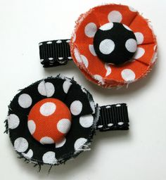 So cute!  Halloween hair clips for a little girl
