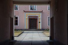 Lentosotakoulu Kauhava. - kuva  Juha Aho-Pynttäri Finland, Garage Doors, Windows, Outdoor Decor, Home Decor, Decoration Home, Room Decor, Home Interior Design, Carriage Doors