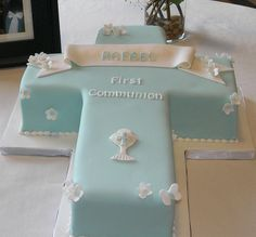 First Communion Cross Cake by cakespace