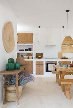 Renovation of a country house in Las Salinas - Maison - Décoration - Home - Interior - Rustic Kitchen Decor, Kitchen Interior, Rustic Kitchens, Home Living, Ibiza, Home Kitchens, Kitchen Remodel, Sweet Home, House Design