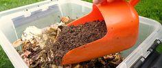 Lag jord i byen! med bokashi kjøkkenkompost kan du lage herlig kompostjord midt i byen. Bokashi lukter ikke vondt og tar liten plass.