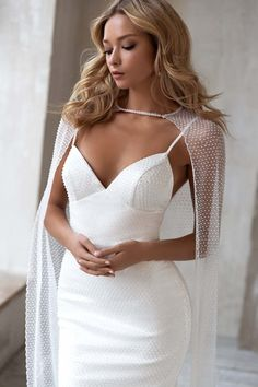 Beach Style Wedding Dresses, Gorgeous Wedding Dress, Wedding Looks, Beautiful Gowns, Bridal Dresses, Bride Look, Formal Gowns, The Dress, Designer Dresses