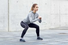 7-Day Beginner's 10-Minute Morning Workout Challenge; We believe that simple workouts can be more effective. Therefore, we're using short, easy workouts that only take 10 minutes and have just two moves. There's no excuse!