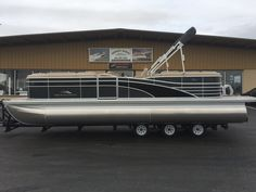 2017 Bennington 23 RSR SPS tri-toon with Yamaha F150, in-floor storage, lighted cup holders, lighted bimini top, vinyl teak tan flooring.  In stock from $44,995 call 816-380-7891.   www.midwestmarineboats.com