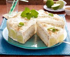 Mojito-Torte Rezept: Eier,Salz,Zucker,Vanillinzucker,Mehl,Speisestärke,Backpulver,Bio-Limetten,Gelatine,Minze,Vollmilchjoghurt,Rum,Zucker,Schlagsahne,Backpapier