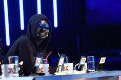 Esti curios sa vezi cum aratau juratii X Factor in urma cu 24 de ani? Factors, Darth Vader, Dreams, Fictional Characters, Fantasy Characters