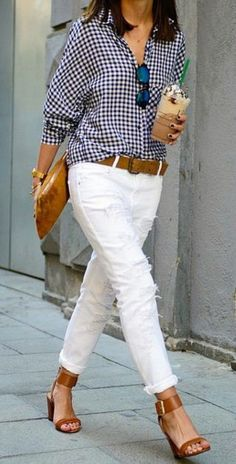 Outfits: 25 Practical & Amazing Ideas [For Women] Street Style Look from Madrid Business Lady White Denim and Gingham Outfit.Street Style Look from Madrid Business Lady White Denim and Gingham Outfit. Denim Outfits, Outfit Jeans, Mode Outfits, Casual Outfits, Casual Wear, Gingham Shirt Outfit, Classy Jeans Outfit, Spring Outfits Women Casual, Formal Wear