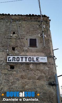 Vecchio cartello entrata/uscita da Grottole