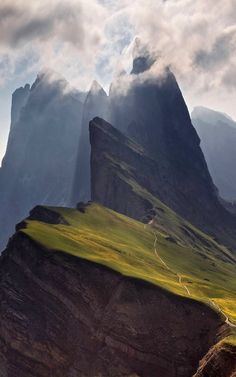 The beauty of the Dolomites :: Italy • UNESCO World Heritage - valgardena.