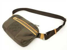 Louis Vuitton Authentic Damier Geant Terre Archer Shoulder Bag Auth LV Louis Vuitton Shoulder Bag, Archer, Louis Vuitton Damier, Dust Bag, Model, Bags, Fashion, Sterling Archer, Handbags