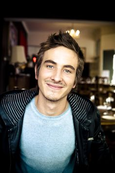 Ryan Corr is pretty hot! I love his character on Packed to the Rafters <3