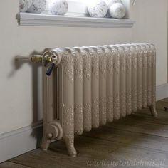 Geplaatste gietijzeren radiatoren - Antieke Radiatoren | Spijltjes radiatoren, Strakke radiatoren, gietijzeren radiatoren, nieuwe radiatoren
