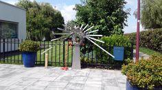 Modern Stainless steel sculpture in garden  (mirrorfinish - polished)