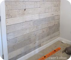 Owen's Olivia: Whitewashed Wood Technique {Tutorial} I would love to do this and then add a quote with a little design. Pallet Walls, Pallet Wood, Wood Walls, Headboard Pallet, Whitewash Wood, Ship Lap Walls, Deco Design, Wood Paneling, Panelling