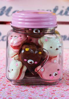 Postreadicción galletas decoradas, cupcakes y pops: Macarons Kawaii … Yummy Treats, Sweet Treats, Yummy Food, Japanese Sweets, Japanese Food, Macaroons, Comidas Pinterest, Cute Baking, Kawaii Dessert