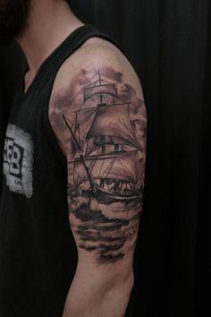 segelschiff oberk rper t towierung bein tattoo pinterest t towierungen m nner tattoos und. Black Bedroom Furniture Sets. Home Design Ideas