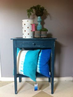 Painted with Annie Sloan Chalk Paint Cushions from Designers Guild www.homebyaap.dk