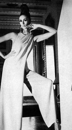 Wilhelmina. Photo by Horst P. Horst. Vogue, November 15, 1966.