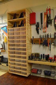 Small Garage Organization, Garage Tool Storage, Workshop Storage, Garage Tools, Garage Shop, Diy Garage, Diy Organization, Organizing Ideas, Workshop Design