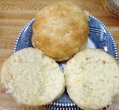 Sunshine Mom: Paula Deen's Buttermilk Biscuits
