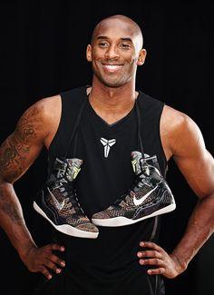 Kobe Lebron, Kobe 9, Lakers Girls, Kobe Bryant Pictures, Kobe Bryant Black Mamba, Diamonds In The Sky, Lakers Kobe Bryant, Los Angeles Lakers, Tank Man