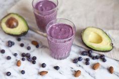 Blogue - Résolution: Déjeuner chaque jour - Smoothie onctueux à l'avocat, bleuets et dattes medjool