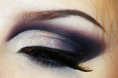 Sultry sexy dramatic cut crease make-up + tutorial https://www.makeupbee.com/look.php?look_id=86488
