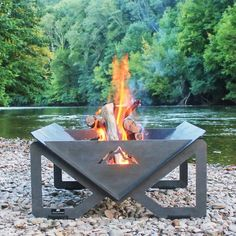 Deck Fire Pit, Fire Pit Grill, Metal Fire Pit, Fire Pit Backyard, To Build A Fire, Outdoor Projects, Outdoor Decor, Stainless Steel Grill, Lawn And Landscape