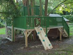 A Tree house Platform with lots of activities to keep the kids entertained