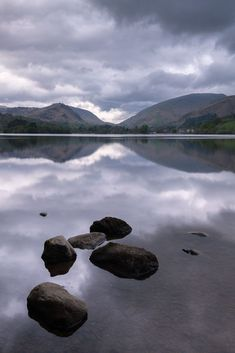 The Lake District is an incredible place for photographing landscapes! In this landscape location guide, find out where some of the best photo spots are!blog.posting