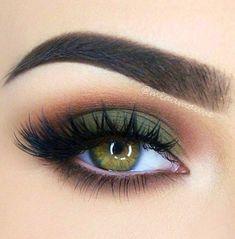 Lashes + Green Smokey + Brown Under Eye + Copper Crease Eye Makeup Eye make up Green Eyeshadow, Eyeshadow Looks, Eyeshadow Makeup, Eyemakeup For Green Eyes, Eyeshadows, Maybelline Eyeshadow, Clinique Makeup, Glitter Makeup, Eyebrow Makeup