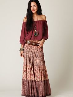 Peasant blouse with matching skirt. Great colors • the belt is a great accessory. Boho Style