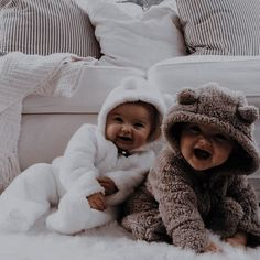 Cute Little Baby Girl, Cute Baby Girl Outfits, Cute Baby Clothes, Little Babies, Cute Babies, Cute Baby Videos, Cute Baby Pictures, Foto Baby, Dream Baby