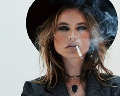 Behati Prinsloo in Jacquie Aiche Jewelry fall-winter 2015 campaign Photoshoot Smoking Ladies, Girl Smoking, Behati Prinsloo, Balmain Hair, Hair Trends 2015, Photography Poses Women, Photography Ideas, Portrait Photography, Professional Women