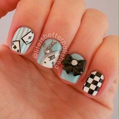 Clean simple Alice nails