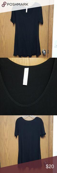 Lula roe xs perfect  black Black xs perfect by lula roe. Maybe worn 4x LuLaRoe Tops Tees - Short Sleeve