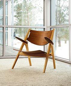 Wegner Sawbuck Chair: Designed by Danish modernist Hans Wegner Mid Century Chair, Mid Century House, Mid Century Furniture, Denmark House, Sofas, Armchairs, Danish Modern Furniture, Vintage Furniture, Danish Chair