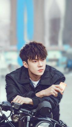 Exo, sehun, oh se hun, glasses Baekhyun Chanyeol, Park Chanyeol, Sehun Vivi, Exo Kai, Kpop Exo, Kdrama, K Pop, Luhan And Kris, Sehun Cute
