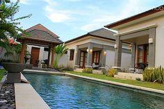 VILLA SANUR  di Denpasar, Bali, Indonesia. 4 bedroom with private pool USD 170/night/nett. +6281999246053.