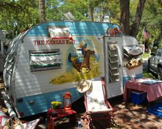 Read about this in Vintage magazine. These two sisters buy run down campers and fix them up making them a little vintage/retro. Every cowgurls dream (: