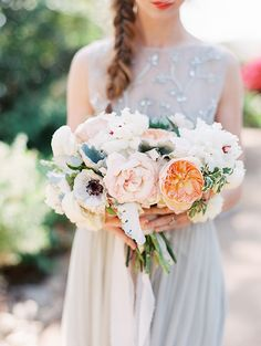 Feminine Bridal Style in Neutral Colors | Wedding Sparrow | RomaBea Images