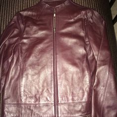 Valerie Stevens Genuine Lamb Leather Jacket! This super sheik jacket is chocolate brown, and in Excellent condition! Looks great with jeans. Casual or Dress up  Valerie Stevens Jackets & Coats