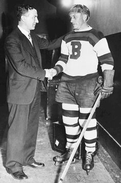 Eddie Shore and Art Ross, Boston Bruins Mlb Teams, Hockey Teams, Hockey Players, Ice Hockey, Sports Teams, Boston Sports, Boston Red Sox, Boston Bruins Game, Nhl