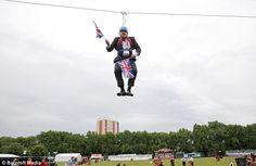Boris Johnson, Mayor of London stuck on zip wire