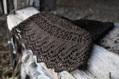 Juneberry triangle shawl in grey