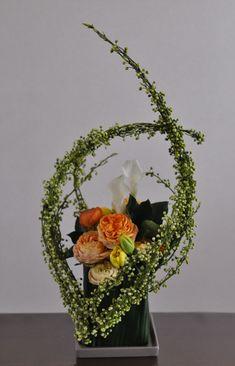 litsea citriodora, rose, ranunculus, tulip, calla lily, dendropanax trifidus, aspidistra elatior