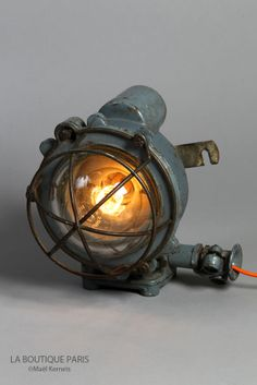 Lampe Antique de Bateau COLOMBUS, ambiance rétro et vintage.