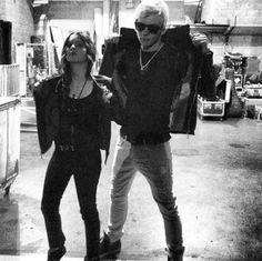 Ross and Laura. Do you ship #raura?