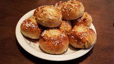 Ihanat voisilmäpullat (gluteeniton) Sweet Pastries, 20 Min, Hamburger, Gluten Free, Bread, Baking, Desserts, Recipes, Food